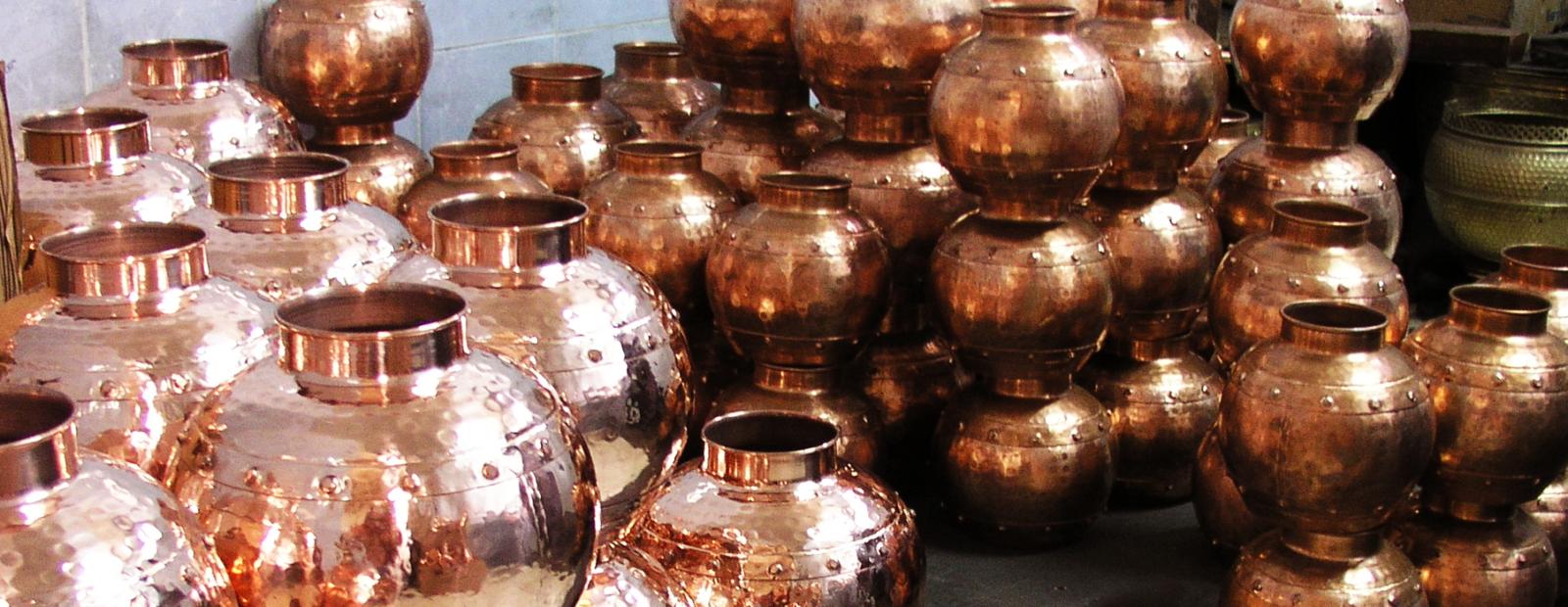 Alambiques tradicionais em cobre